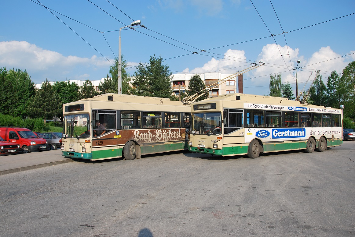 Trolleybus 103